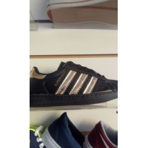 Zapatillas Adidas por Mayor. $700 c/u